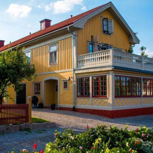 Kantorn Mariefred fasad med veranda