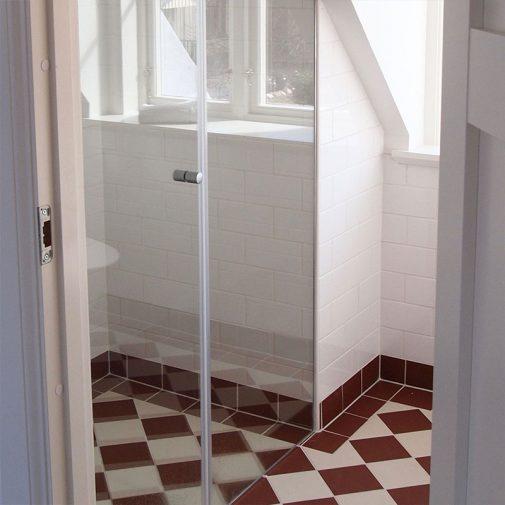 Snickaren Mariefred badrum