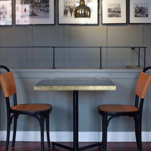 Thai Garden Strangnas bord och stolar