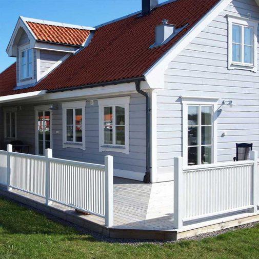 Vastra Akerby ljusbla villa